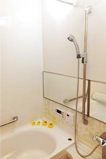 ミストサウナ付きの浴室